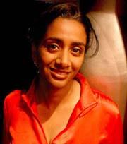 foto xavier cervera 01/04/2005 sunny singh (varanasi, india, 1969) es escriptora, fotografiada a la sala underground, bcn, durant la bollywood party, el primer dijous de cada mes